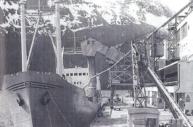 Glomfjord loading of MS Mosjøen
