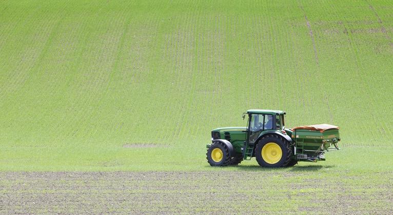 Spridning av gödsel på fält