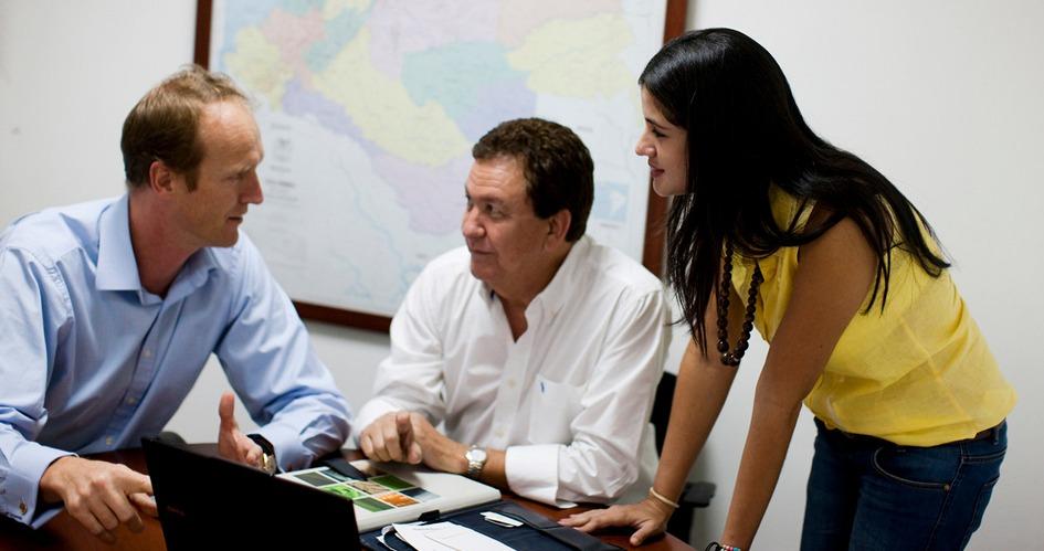 Three Yara employees having a meeting
