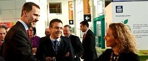 King Felipe VI of Spain visiting Yara's stand