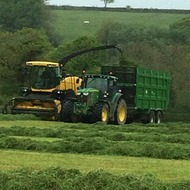 Topping up potash this autumn on grass