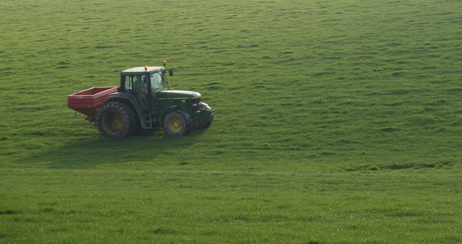 Influencing earlier spring grass