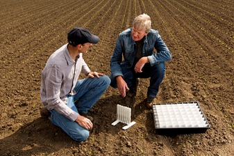 Fertilizer Spreading Advice - Spreader Tray Testing
