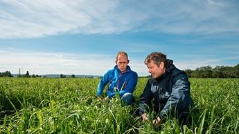 Ota ProAgrian nurmen lannoituksen osaajat käyttöösi