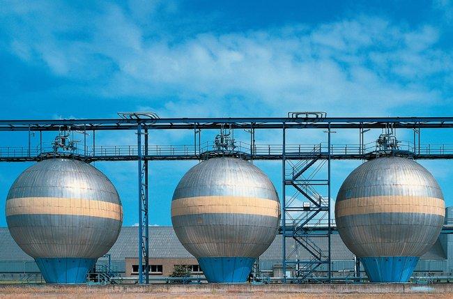 Ammonia storage silos
