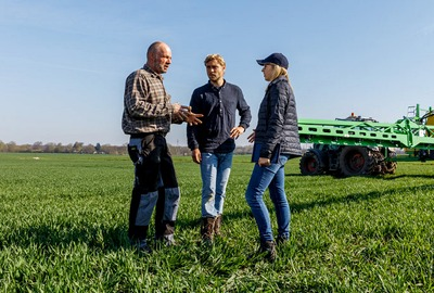 farmers talking on the field