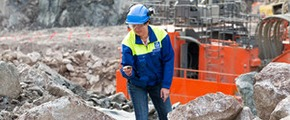 Yara employee at Siilinjärvi mine