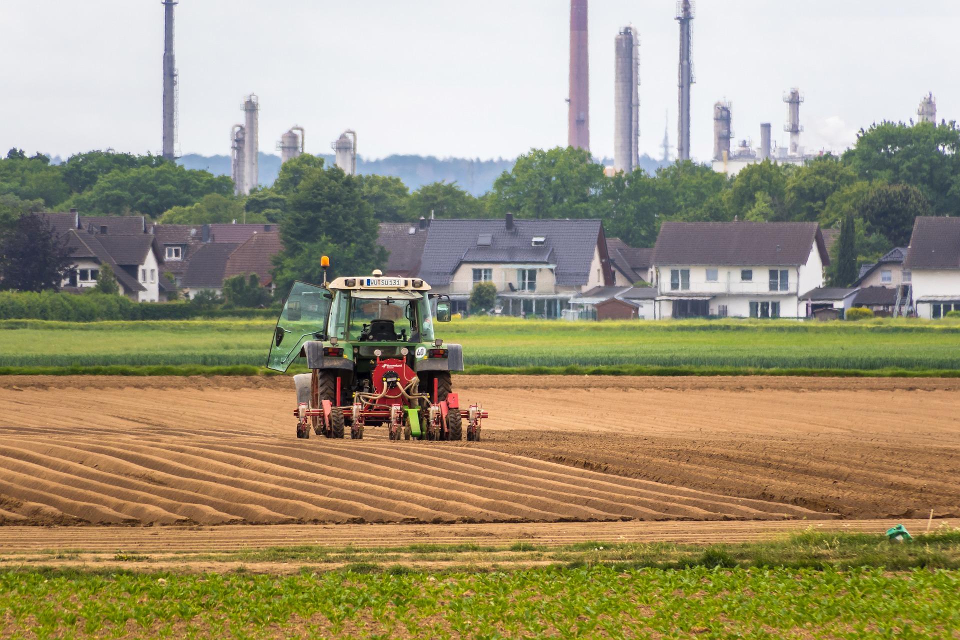veicoli-agricoli---Cause-inquinamento-atmosferico