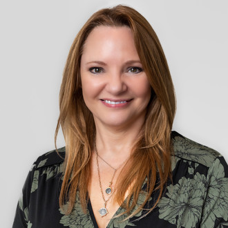 Caroline Nicholas Property Guru for W4