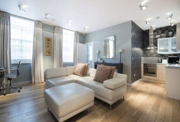 Tidy living room - YOUhome Notting Hill Estate Agents