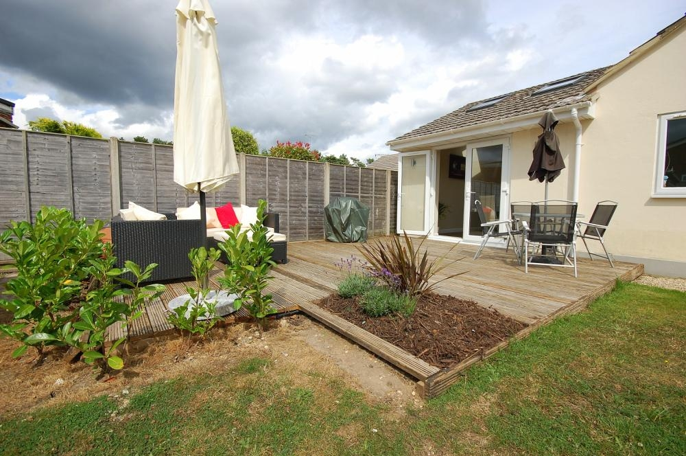 MUVA Estate Agents : Decked Area