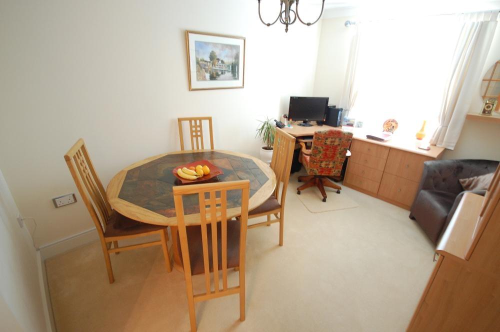 MUVA Estate Agents : Dining Room/Bedroom