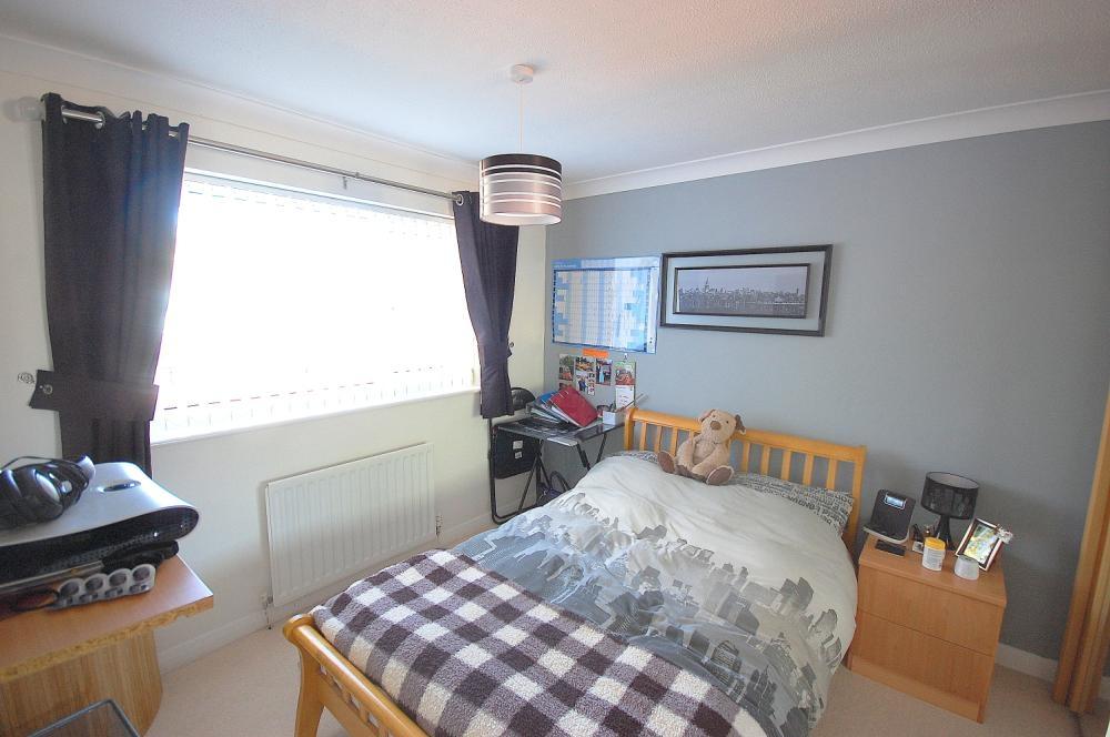MUVA Estate Agents : Bedroom