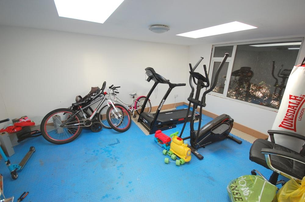 MUVA Estate Agents : Gym