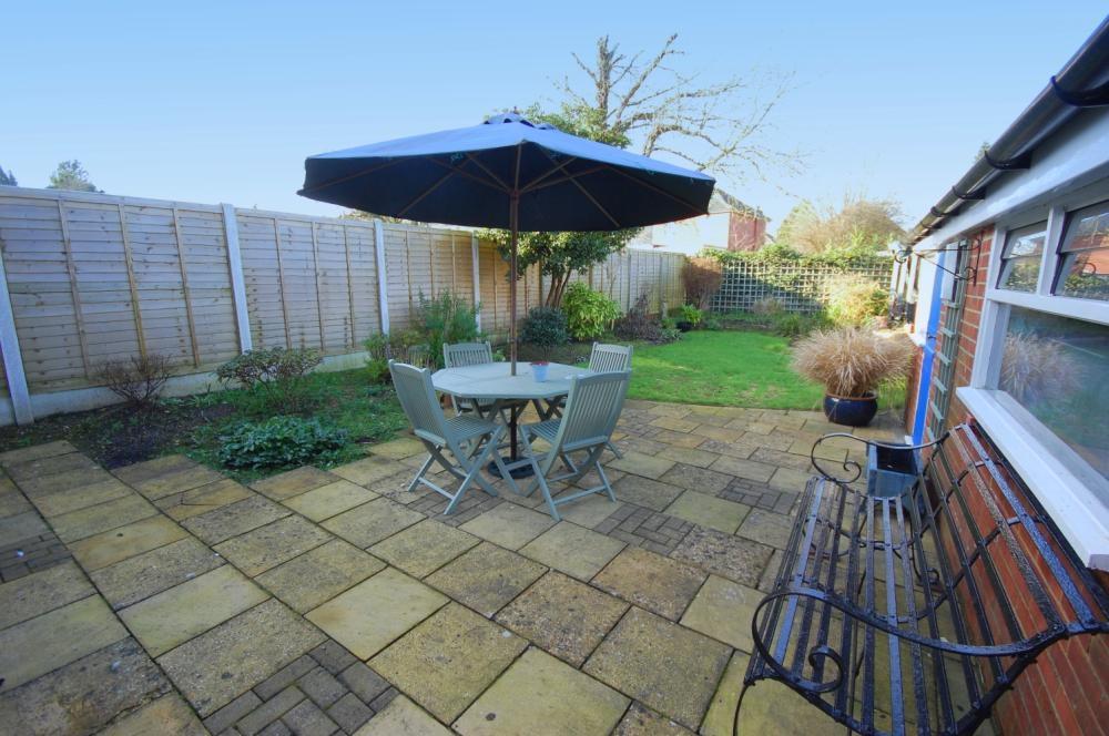 MUVA Estate Agents : Rear Garden