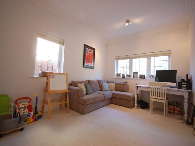 MUVA Lettings Agents : Second living area