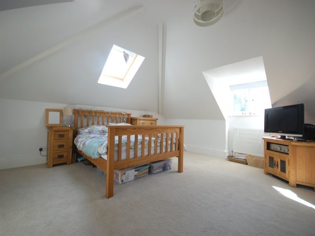 MUVA Lettings Agents : Fourth bedroom