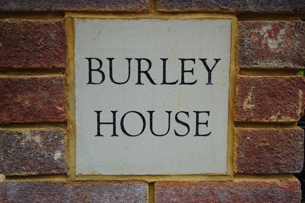 MUVA Estate Agents : Burley House
