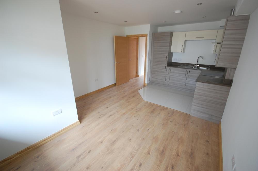 MUVA Estate Agents : Living Area