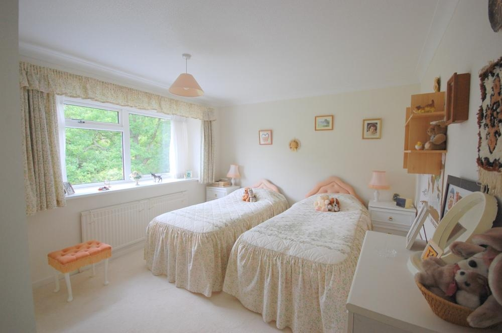 MUVA Estate Agents : Bedroom Two