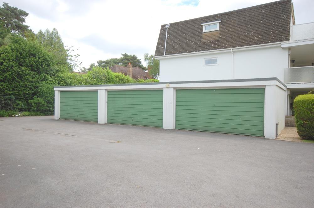 MUVA Estate Agents : Garage Block