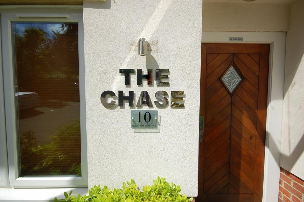 MUVA Estate Agents : The Chase