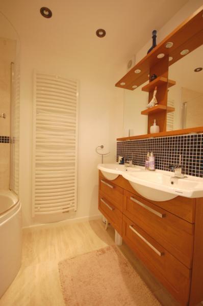 MUVA Estate Agents : Luxury Bathroom