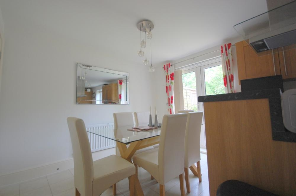 MUVA Estate Agents : Dining Area