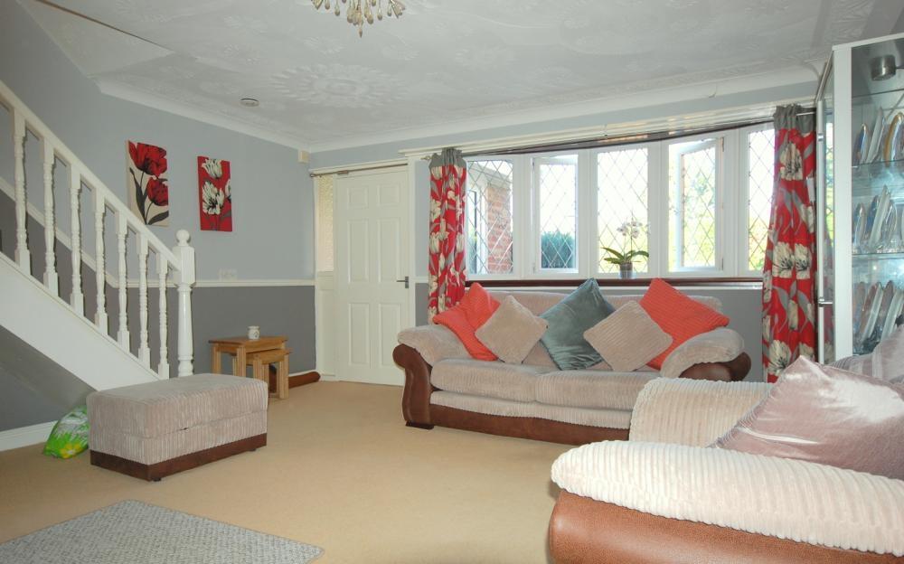 MUVA Estate Agents : Lounge 2
