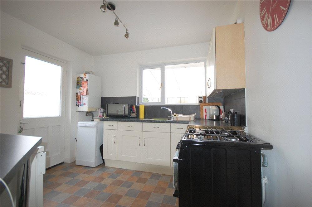 MUVA Estate Agents : Kitchen Shot 1