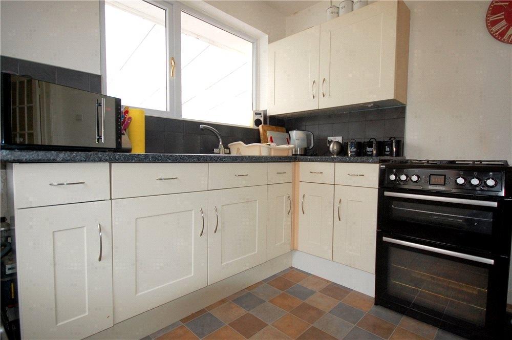 MUVA Estate Agents : Kitchen Shot 2