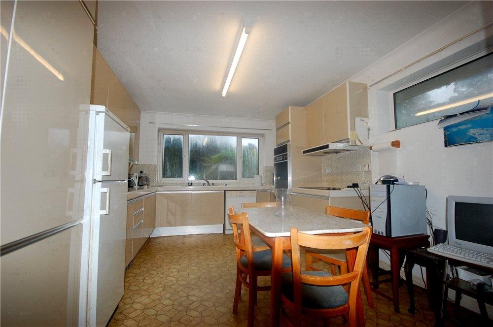 MUVA Estate Agents : Kitchen Photo 1