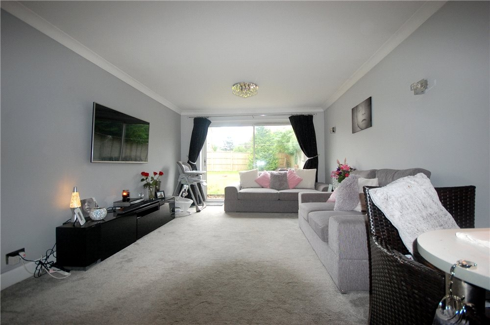 MUVA Estate Agents : Lounge Photo 1