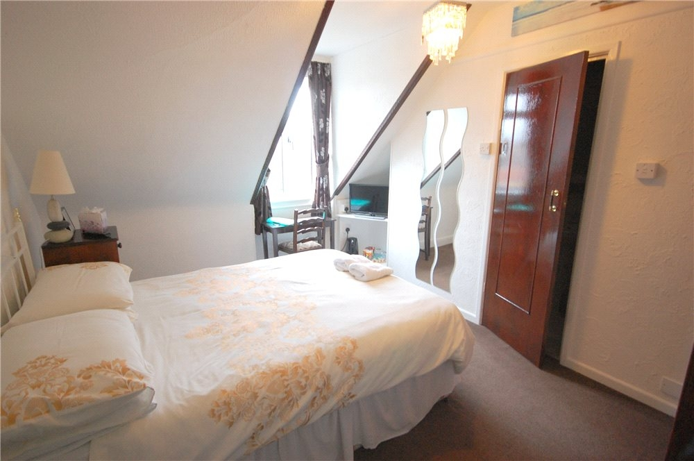 MUVA Estate Agents : Guest Bedroom 3