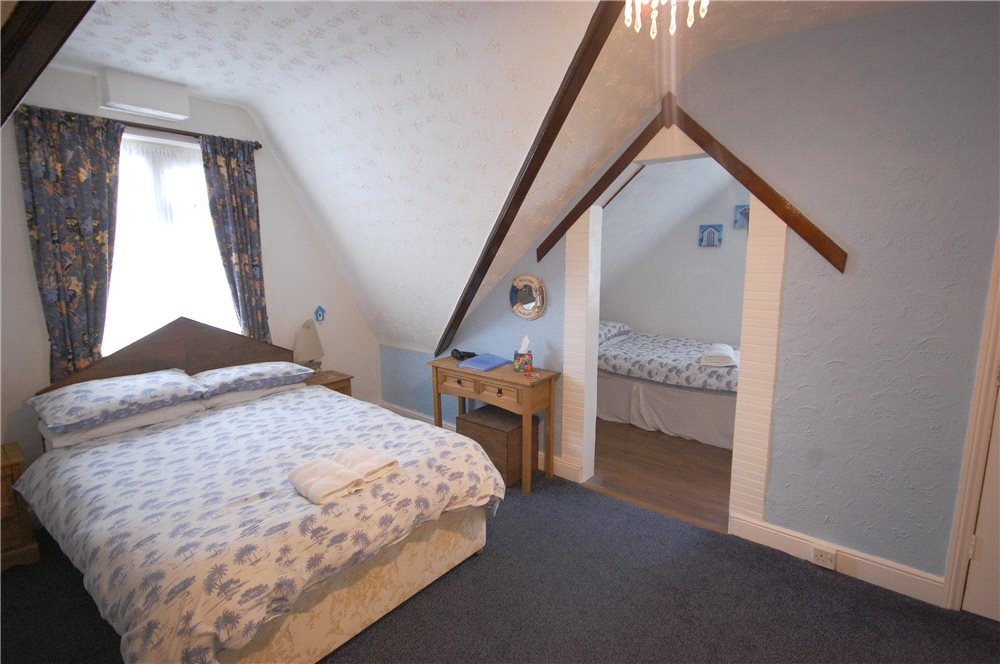 MUVA Estate Agents : Guest Bedroom 4