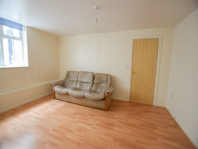 MUVA Lettings Agents : Living Space