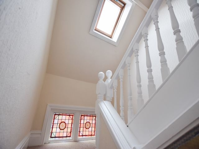 MUVA Lettings Agents : Stairs