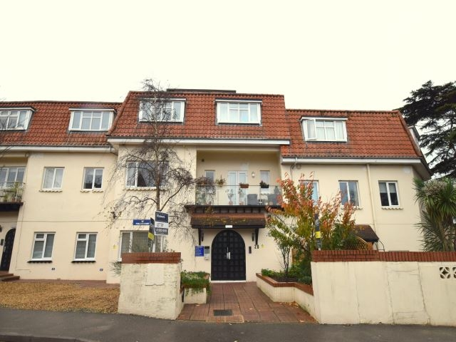 MUVA Lettings Agents : building