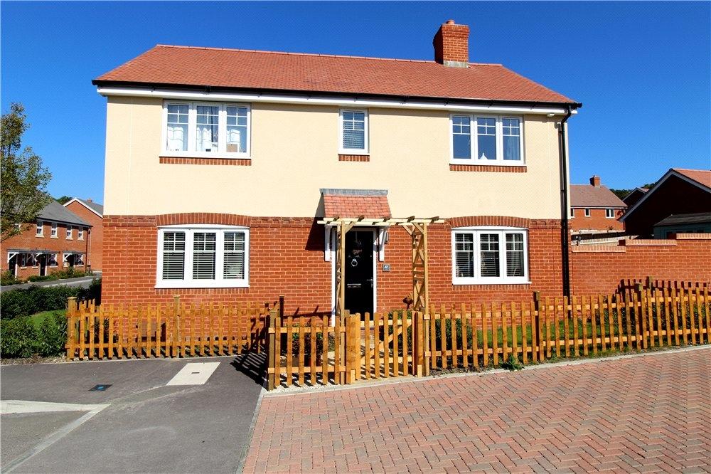 MUVA Estate Agents : Paddocks Way, Longham, Ferndown, BH22