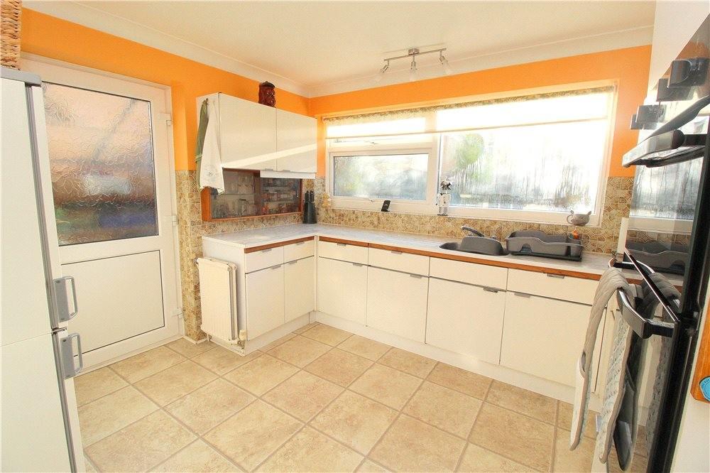 MUVA Estate Agents : Picture No. 02