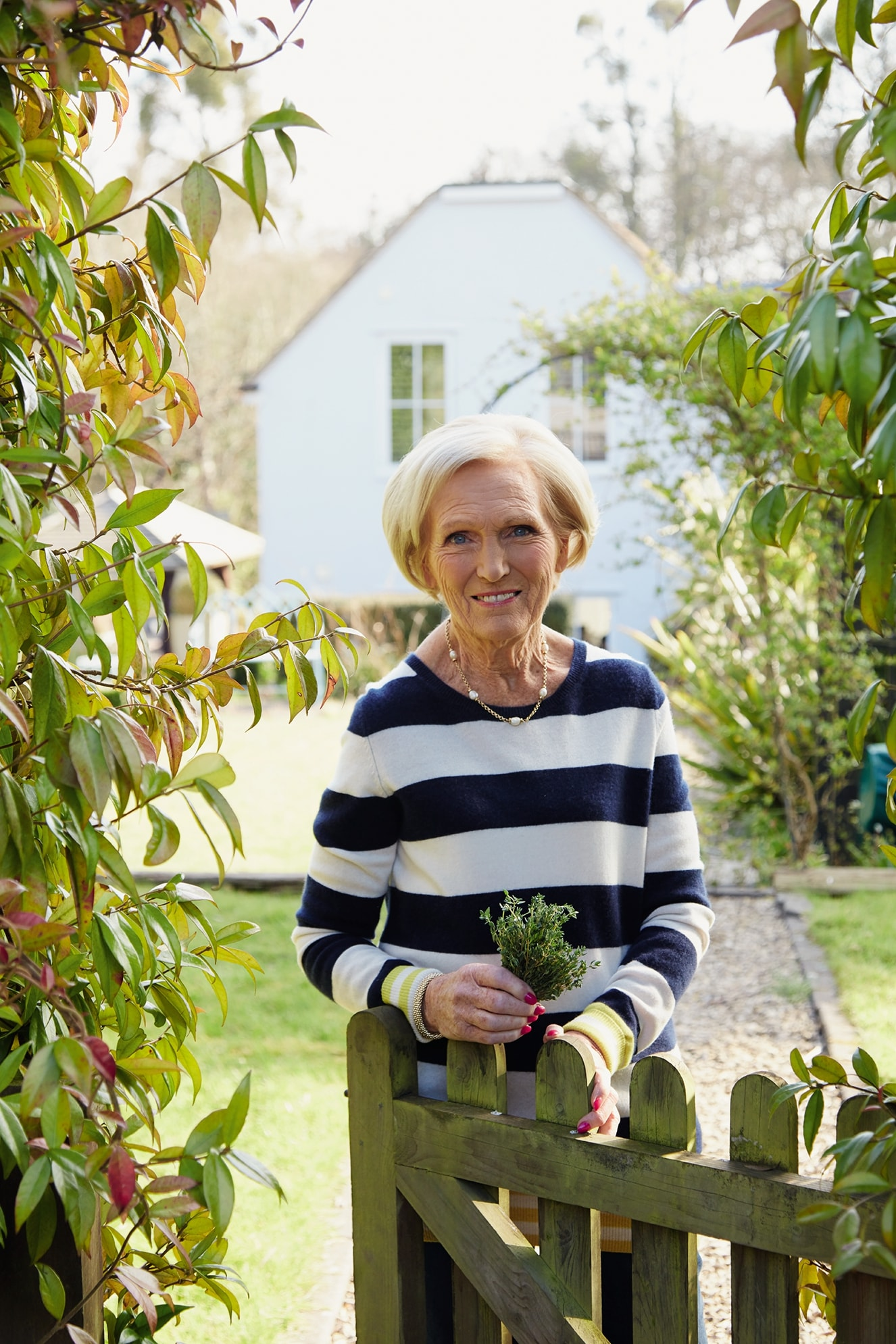 FOOD EXCLUSIVE: Mary Berry Family Sunday Lunches
