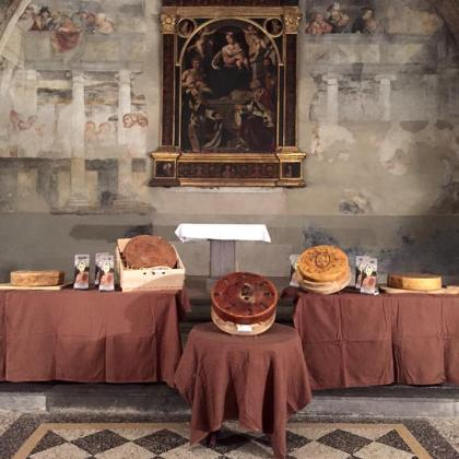 Foto TAGLIO DEL BRÈ formaggio tipico di Breno