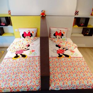 Une chambre double sur mesure pour jumelles – Minnie Emmanuel