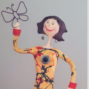 Figurines de papier mâché Danielle