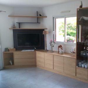 Fabrication du meuble télé 100 % à l'Atelier 1053 – Finition chêne Emmanuel