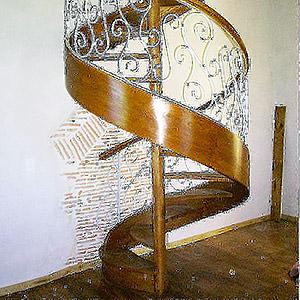 Escalier en Colimaçon en Orme joel