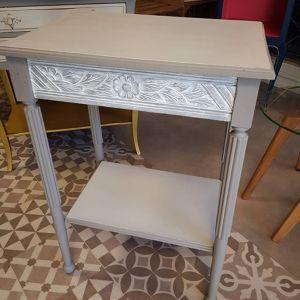 Rénovation d'une table d'appoint Célia