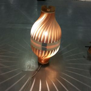 BulM M en lampe à poser / lampadaire Corinne