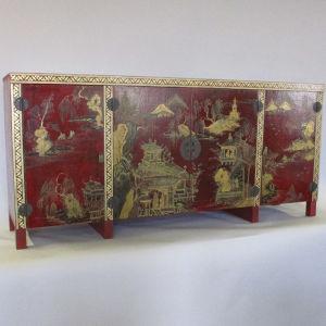 Modification d'un meuble de style asiatique en enfilade renfermant un écran Miassa