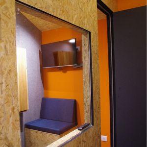Fabrication de banquettes pour une petite salle  au sein d'un espace de co-working, Paris Centre Valérie